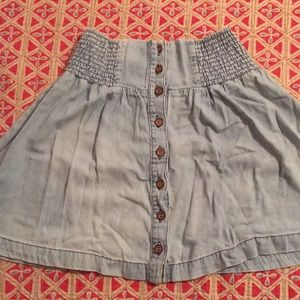 Adorable button up chambray skirt